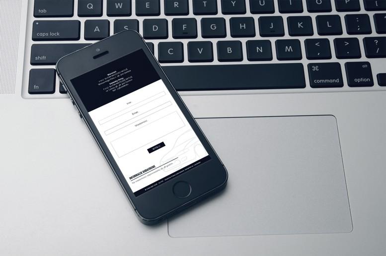 Strony-internetowe-smartfon-sutim